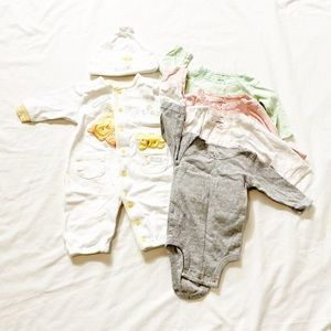 3 for $20 🔥 Lot of four onesies $ romper 0-3M